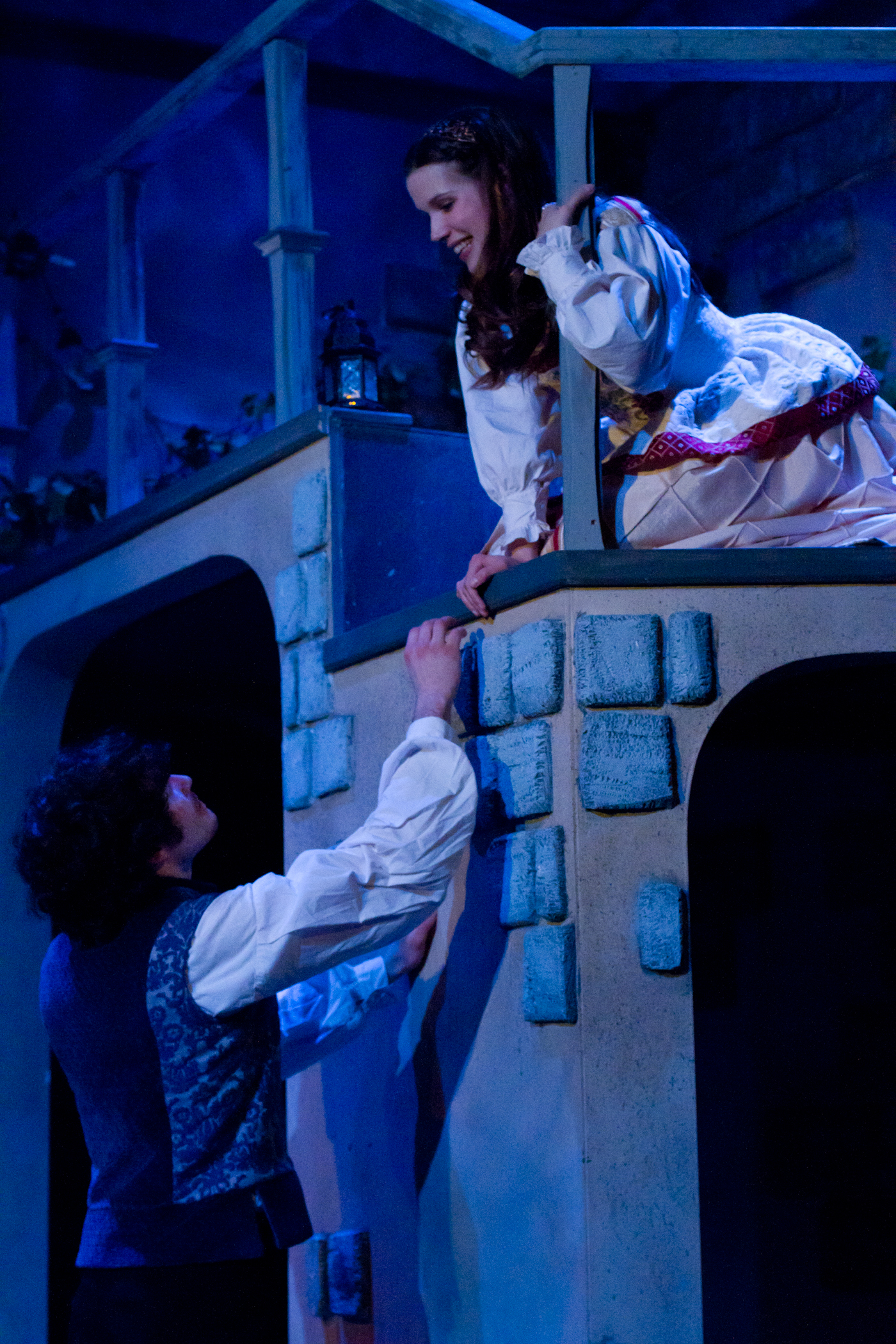 Romeo and juliet balcony scene 2017 - dcaim.com.